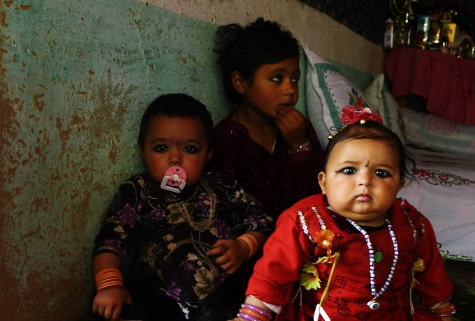 Afghan child, maternal mortality in Afghanistan, women's health in Afghanistan, Afghan mothers