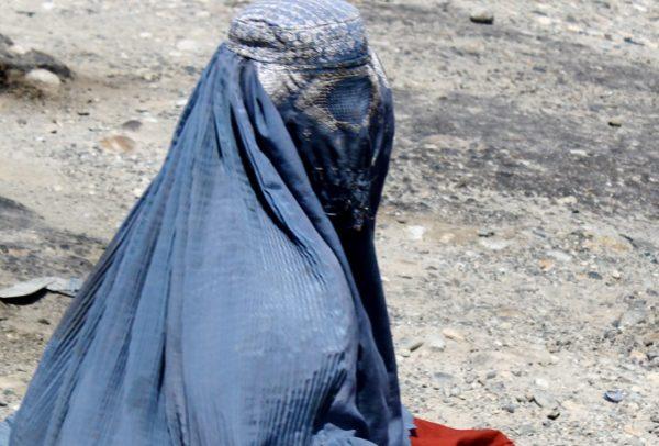 Burkha_clad_Afghan_woman_Free-Women-Writers